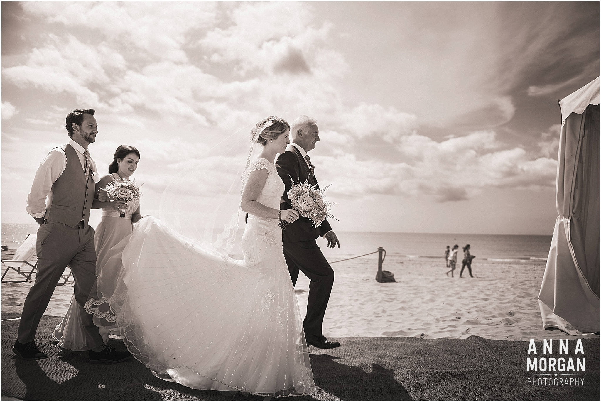 Beach Wedding Bournemouth Wedding Photographer Jess & Louis -31