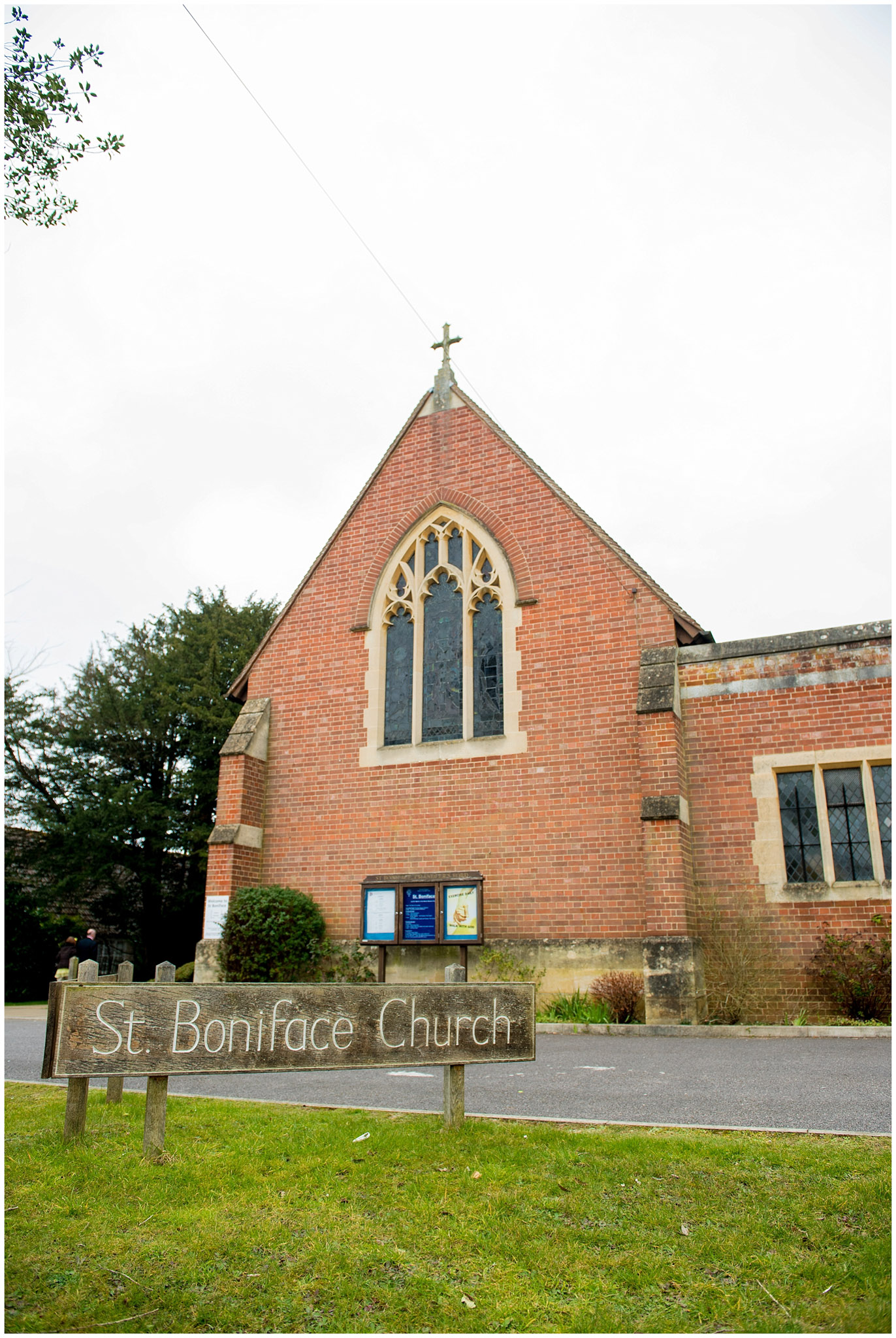 Amy-&-Scott-Boniface-church-and-Itchen-Abbas-Village-Hall-Winchester-Hampshire-wedding-7